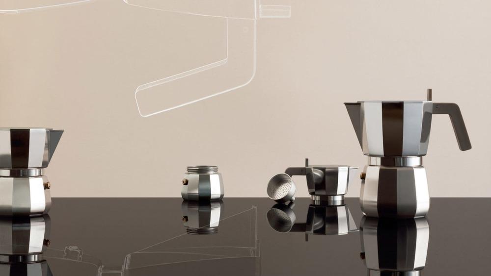 Klasični italijanski <b>espreso aparat</b> dobio novi izgled